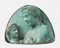 Gem with Empress Livia Holding a Portrait Bust / Roman