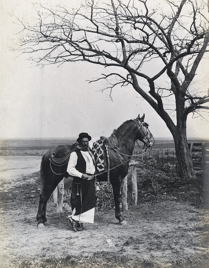 "Estudio para la edición de ""Martín Fierro,"" gaucho con caballo / Study for an edition of Martín Fierro, Gaucho with Horse, about 1890, print about 1900–1905, Francisco Ayerza, gelatin silver print. Courtesy of a private collection."