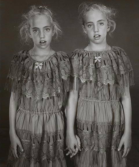 Heather and Kelsey Dietrick, 7 years old, Kelsey older by 66 minutes / Mary Ellen Mark,