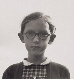 Young Girl in Ennis, Ireland / Lange