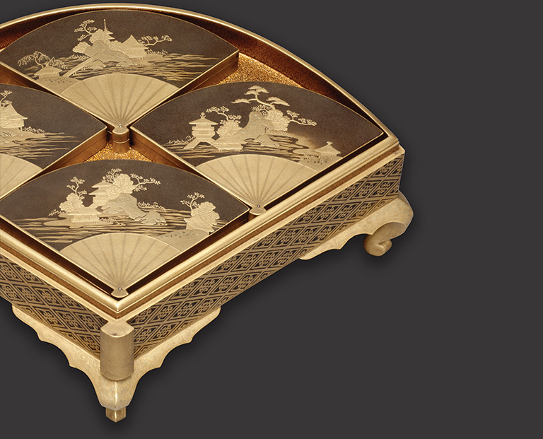 Footed Fan-shaped Box (detail), Japanese, Edo period, late 17th–mid-18th century, lacquer. Musée national des Châteaux de Versailles et de Trianon. Photo: Thierry Ollivier. © RMN–Grand Palais/ Art Resource, NY
