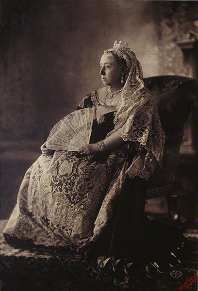 Queen Victorias official Diamond Jubilee photograph is