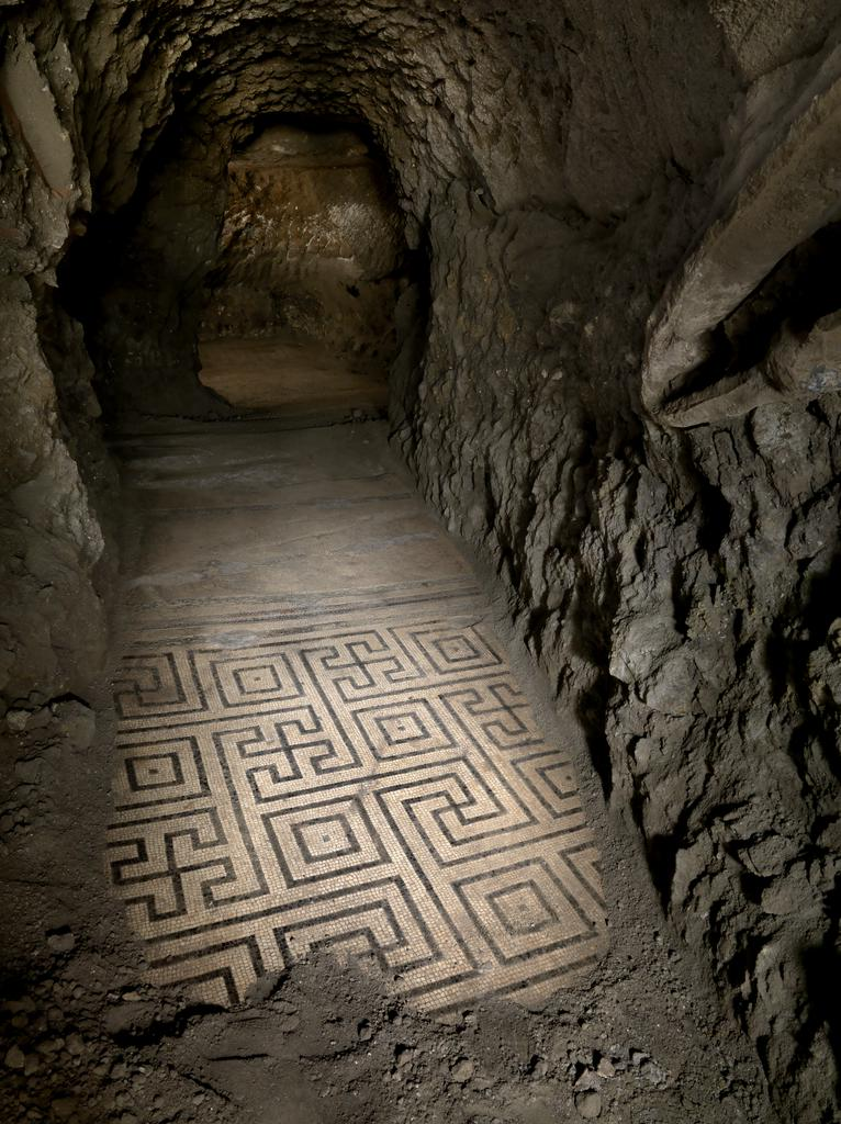 Mosaic floor with complex meander in room O, Roman, first century BC, in situ. © Archivio dell'arte - Pedicini Photographers