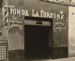 Small Restaurant, Havana / Walker Evans
