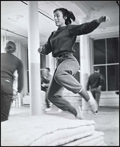 Yvonne Rainer rehearsing Parts of Some Sextets, 1965